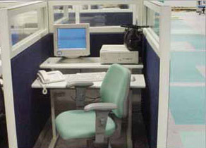 Biombo para call center misto: vidro e tecido